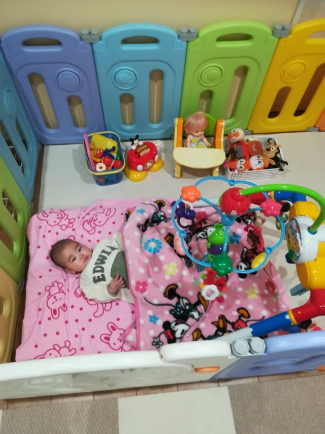 乳児のお子様には、布団やメリーをご用意